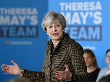 Theresa May durante su discurso de campaña en Londres