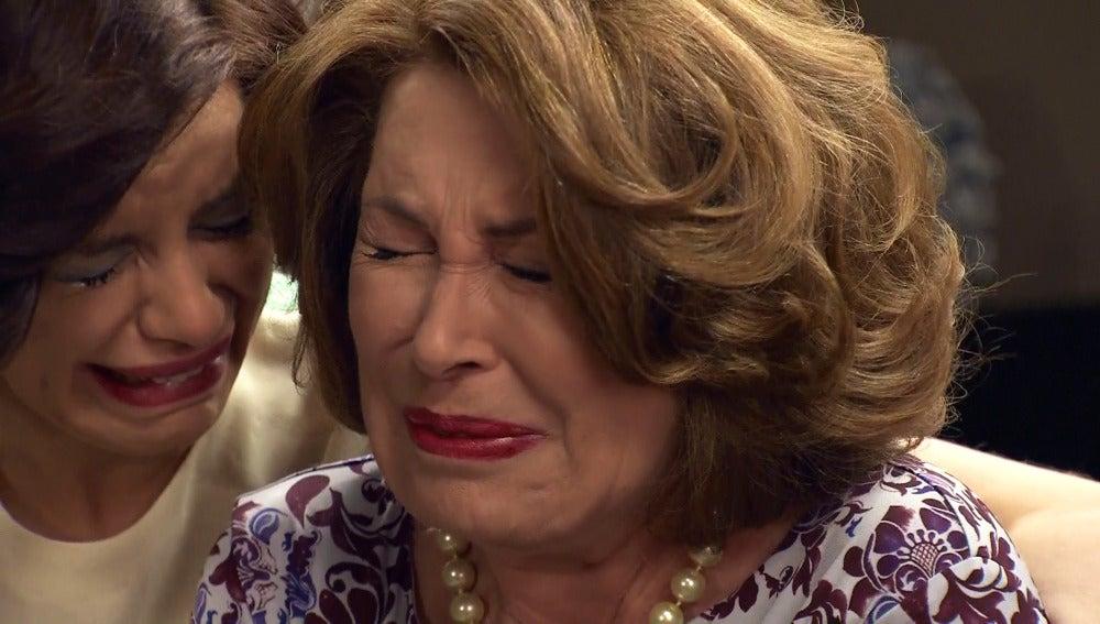 Doña Ana María, en shock por la muerte de su hijo Alonso