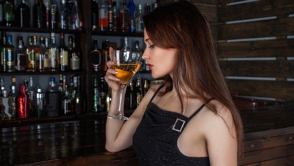 Es aconsejable oler el corcho según abres la botella