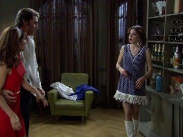 María sorprende a Henar tonteando con Gonzalo