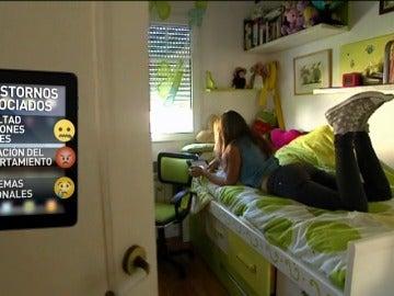 Frame 28.586666 de: El perfil medio por abuso de las nuevas tecnologías es un estudiante varón de 16 o 17 años