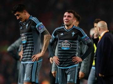 Iago Aspas, llorando sobre el césped de Old Trafford