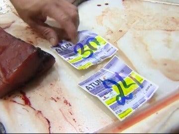 """Frame 39.500966 de: Andalucía afirma que los lotes de atún fresco con histamina están """"localizados y eliminados de consumo"""""""