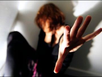 La violencia de genero es menor en parejas con un estatus laboral similar