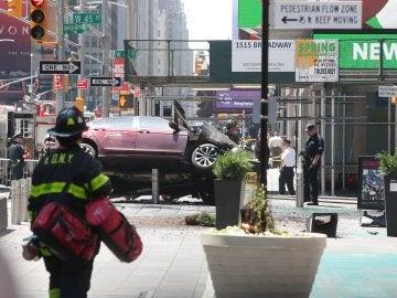 Vista del vehículo que ha atropellado a diez personas en Times Square