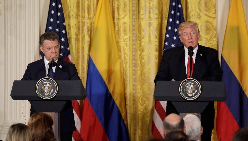 Donald Trump junto a Juan Manuel Santos
