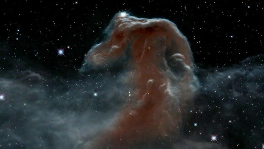 Frame 35.183868 de: Desde los confines del Universo