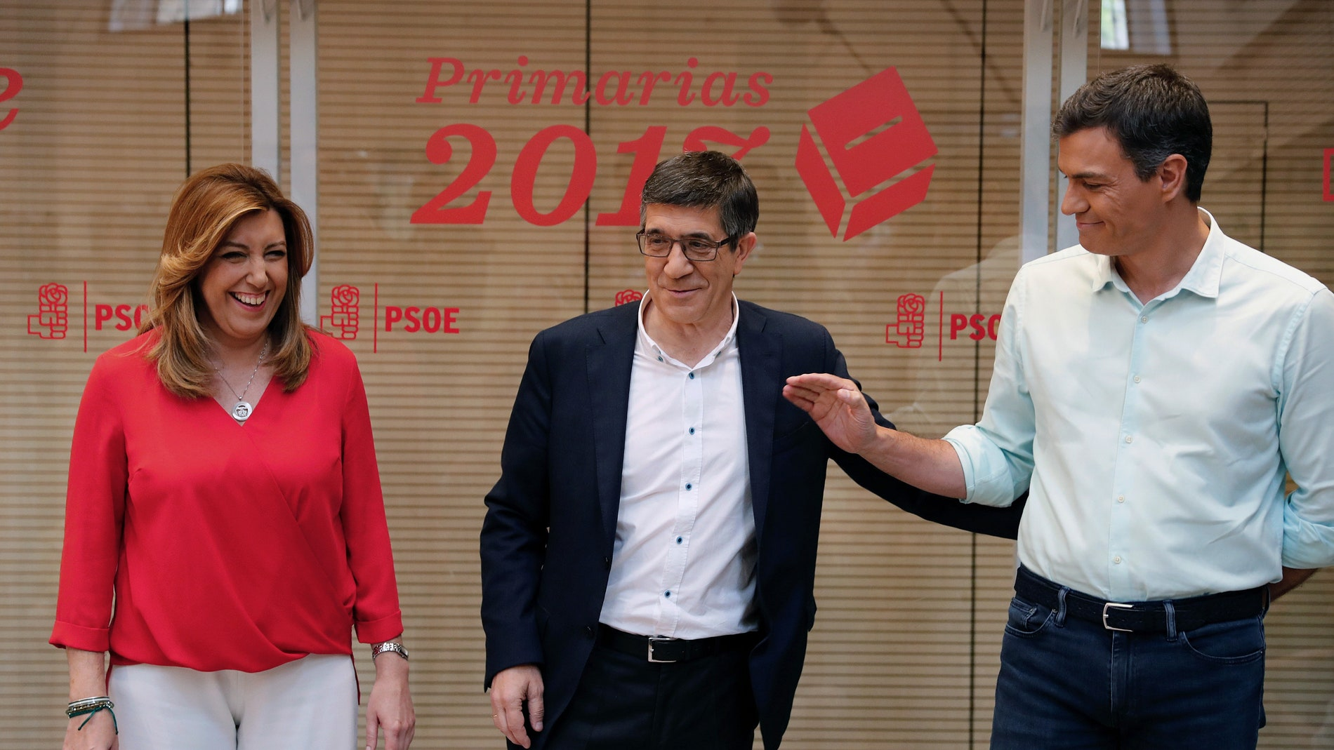 Susana Díaz, Patxi López y Pedro Sánchez, durante el debate de las primarias del PSOE