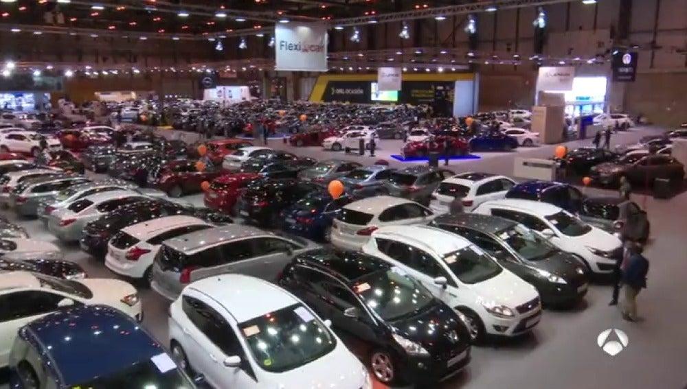 Frame 65.014661 de: Arranca el Salón del Vehículo de Ocasión en Madrid con más de 5.500 coches