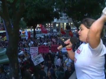 """Frame 26.746666 de: Miles de brasileños gritan """"Fuera Temer"""" y exigen elecciones directas"""