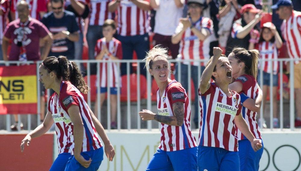 El Atlético de Madrid celebra uno de los goles decisivos por la Liga