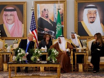 Donald Trump con el Rey de Arabia Saudí