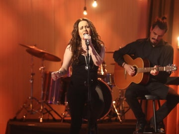 Lorena Fernández, pura intensidad y pasión como Malú con 'Ahora tú'