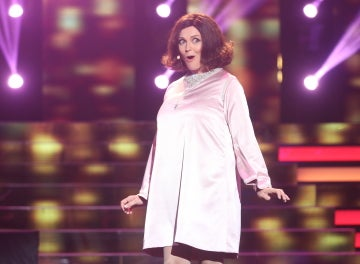 Carolina Ferre advierte 'Tres cosas hay en la vida' con su interpretación como Cristina y Los Stop