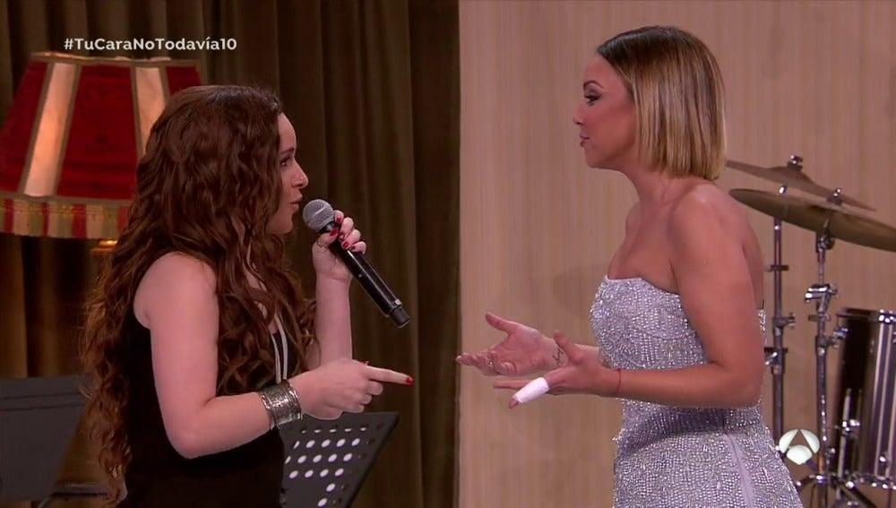 Frame 61.559563 de: Chenoa y Lorena Fernández hacen temblar de emoción cantando 'Aprendiz' de Malú