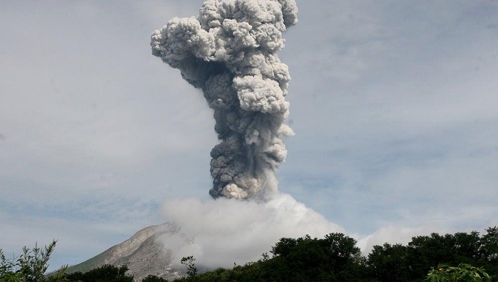El volcán Sinabung