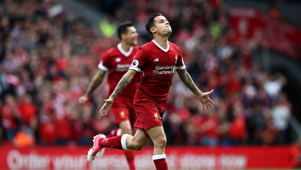 Coutinho celebra uno de los goles del Liverpool