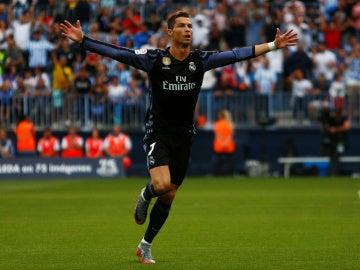 Cristiano Ronaldo celebra un gol en La Rosaleda