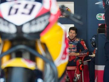 Nicky Hayden. en una carrera del Mundial de Superbikes