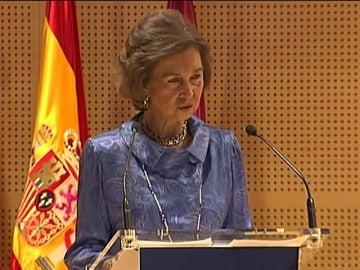 Frame 21.288625 de: Los cuatro Reyes conmemoran hoy los 40 años de la Fundación Reina Sofía