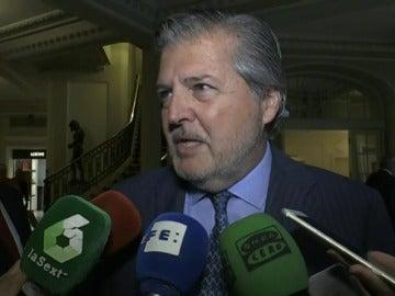 Frame 6.674001 de: El Gobierno no teme a la moción de censura pese al triunfo de Pedro Sánchez en primarias