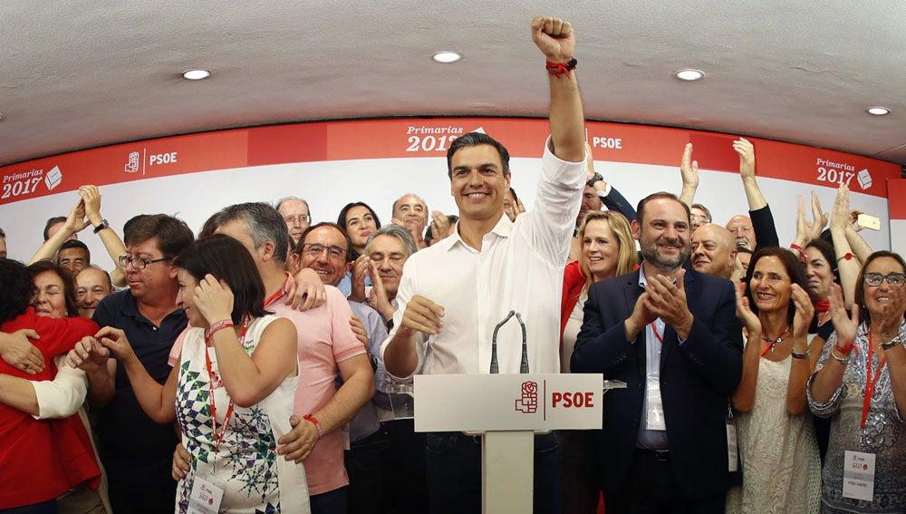 Sánchez celebrando su victoria en las primarias del PSOE