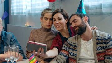 Gotzone organiza su propia fiesta sorpresa de cumpleaños