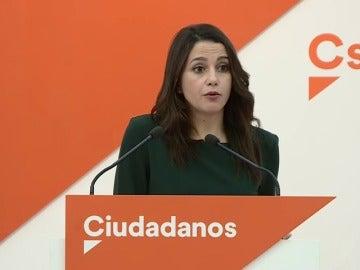 Frame 8.096 de: Ciudadanos cree que Puigdemont no quiere debatir con quién le pueda rebatir sus argumentos