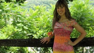 10.000 papeles de caramelos y cuatro años para crearse un vestido