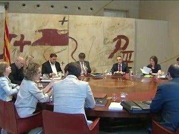 Frame 64.611554 de: El gobierno catalán enviará una carta a Rajoy para negociar los términos de la consulta