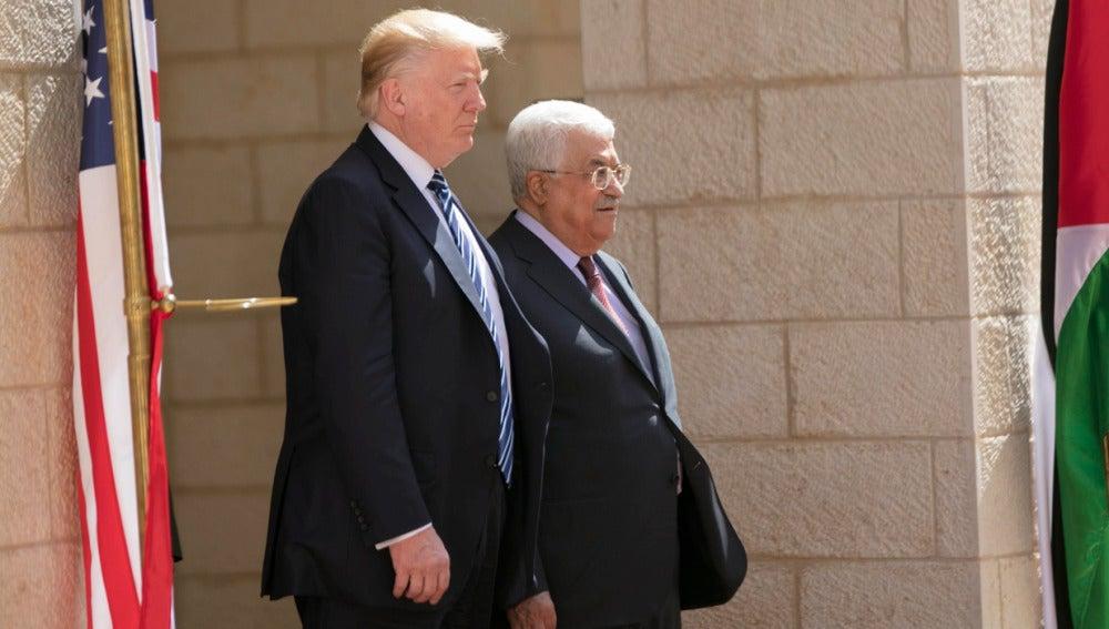 Donald Trump con Mahmud Abás