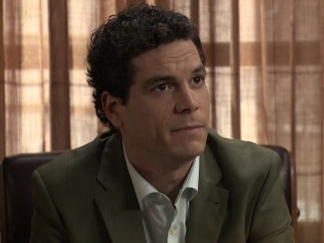 Rafael Castillo le oculta al inspector Caldas sus diferencias con Alonso