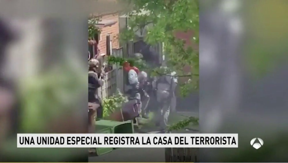 Frame 6.498333 de: terrorista