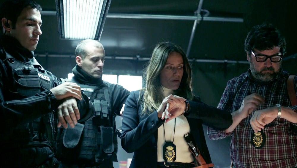Raquel diseña el plan perfecto para infiltrarse en la FNMT