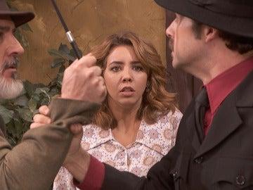 Cristóbal defiende a Emilia y le para los pies a su padre