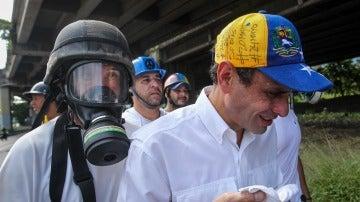 El opositor venezolano Henrique Capriles tras ser herido en una protesta