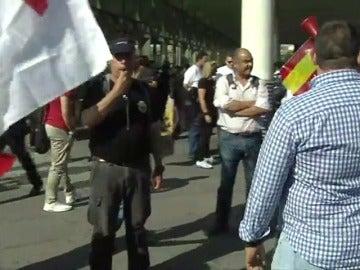 """Frame 10.569045 de: Taxistas de toda España protestan en Madrid contra la """"competencia desleal"""" de Uber y Cabify"""