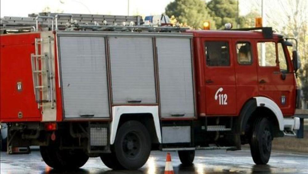 Foto de archivo de un coche de bomberos en Madrid