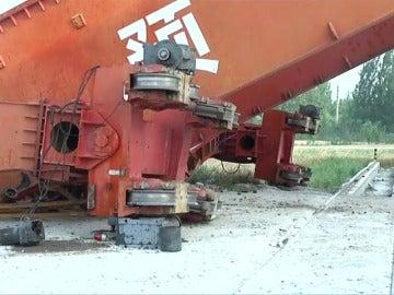 Frame 10.47465 de: Seis trabajadores muertos y otro herido al desplomarse una grúa de grandes dimensiones