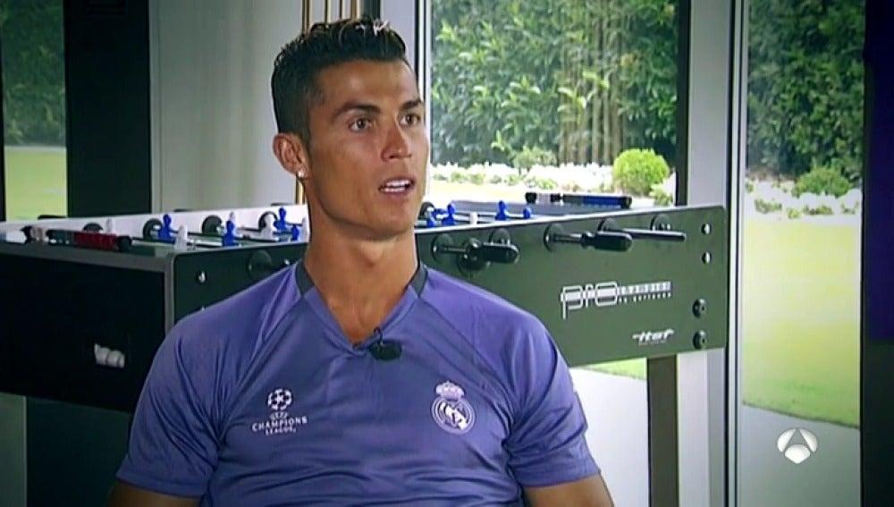 """Frame 48.52421 de: Cristiano Ronaldo: """"¿Hacienda? Yo hago las cosas bien y duermo tranquilo"""""""