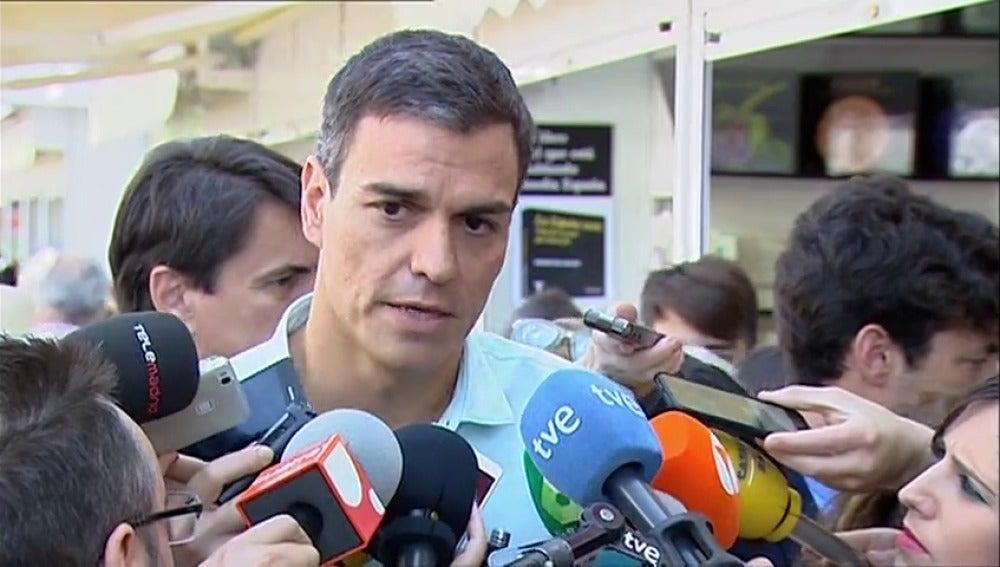 """Frame 0.67662 de: Pedro Sánchez asegura que la dimisión de Moix llega """"tarde y mal"""""""