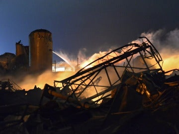 Escombros tras la explosión en la planta de etanol de Wisconsin (EEUU)