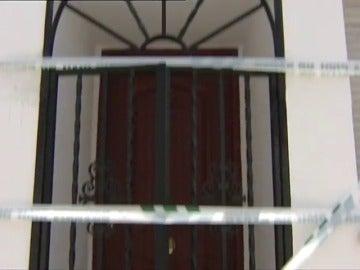 Frame 28.937013 de: Detenido un hombre acusado de matar a su bebé de ocho meses y dar una paliza a su mujer en Arcos de la Frontera