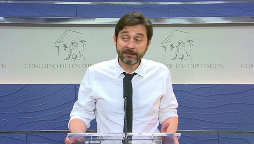 """Frame 3.235481 de: Pedro Sánchez asegura que la dimisión de Moix llega """"tarde y mal"""""""