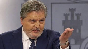 Íñigo Méndez de Vigo en la rueda de prensa del Consejo de Ministros
