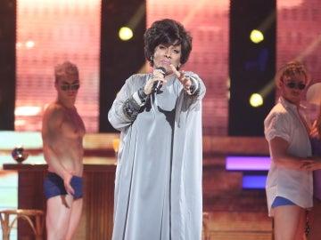 Cristóbal Garrido hace vibrar de emoción con 'Me muero, me muero' como Olga Guillot