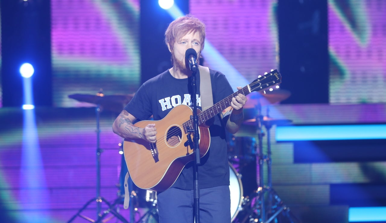 Manel Navarro se mete en la piel de Ed Sheeran para sorprendernos con varios éxitos