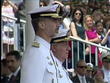 El Rey Juan Carlos vuelve a la escena pública por petición de su hijo Felipe VI