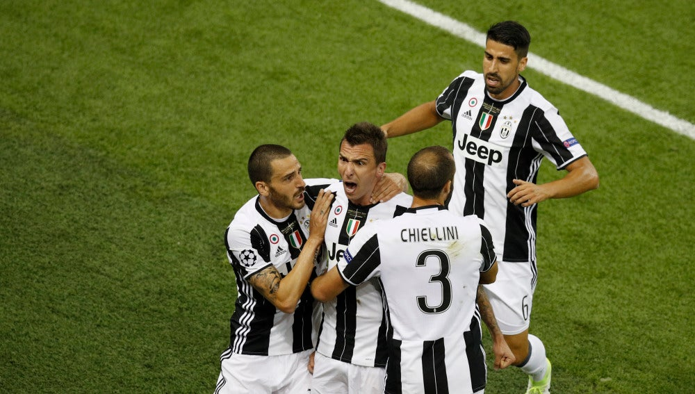Mario Mandzukic celebra un gol al Real Madrid