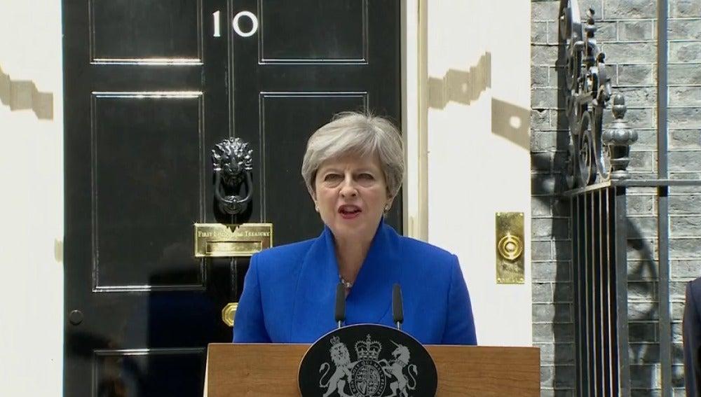 """Frame 88.171083 de: Theresa May: """"Estoy en condiciones de formar gobierno"""""""